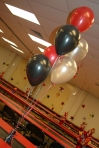 Helium Balloon Clusters for Tables